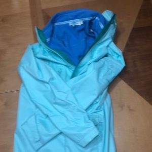 Vineyard vines all weather jacket